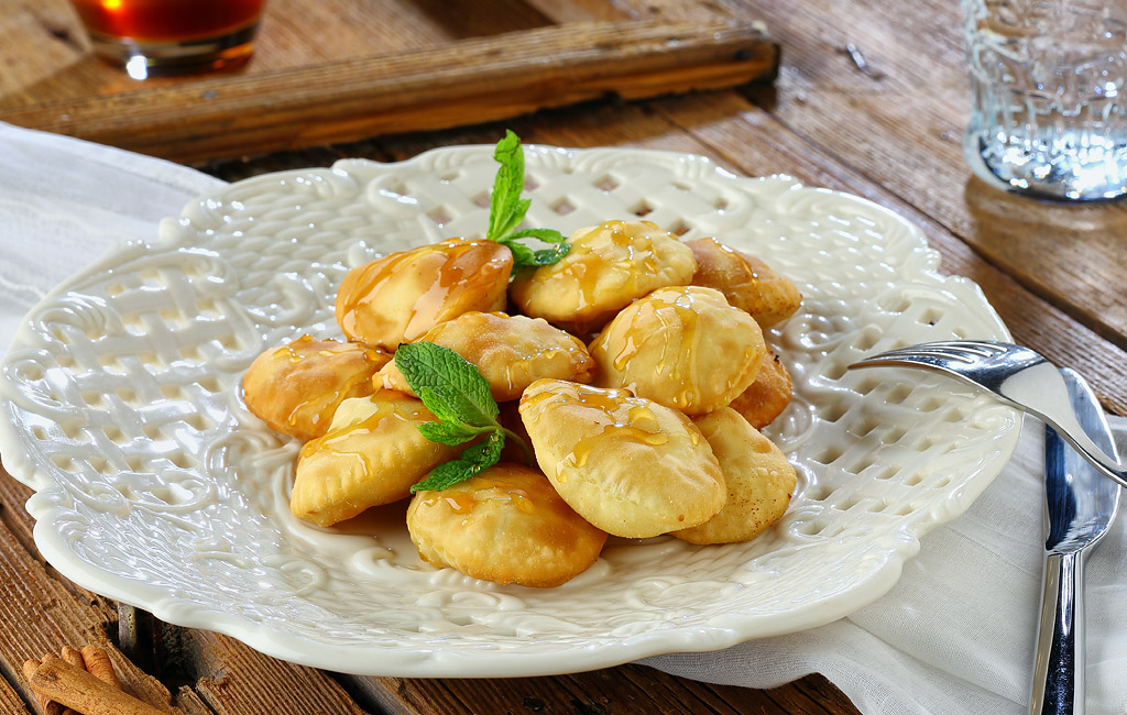 Sweet Mezeethra cheese fried pastries